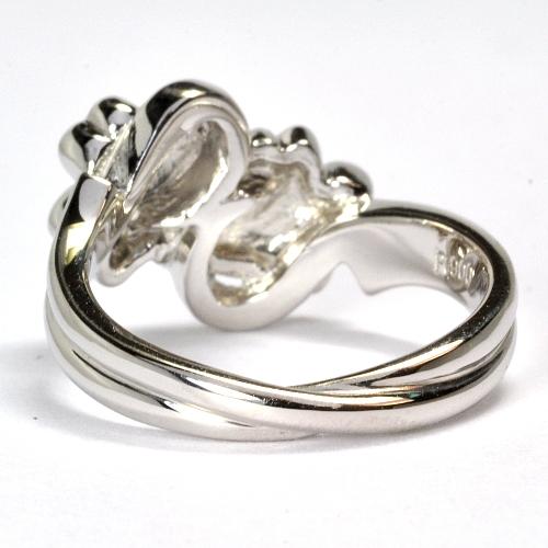 2011-113-3クローバー婚約指輪
