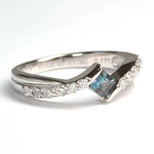 2012-37-11アレキ婚約指輪